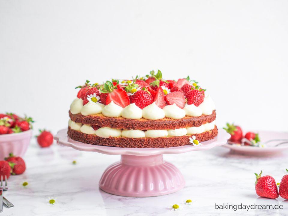 Erdbeer-Mandel-Torte
