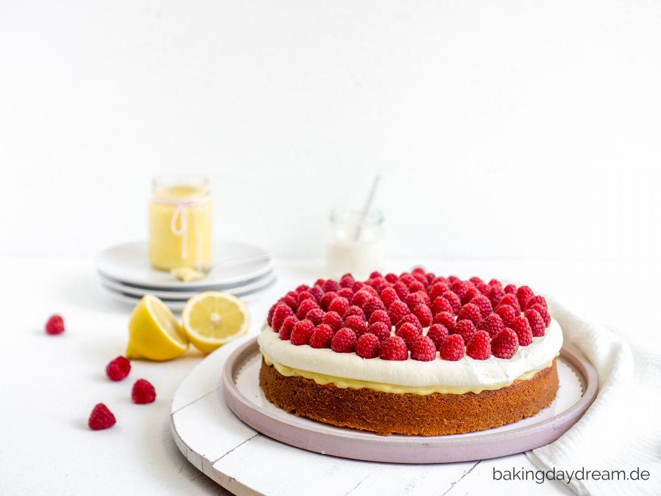 Zitronen Joghurt Kuchen mit Himbeeren